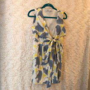 DIANE VON FURESTENBURG size 2 tie dye wrap dress